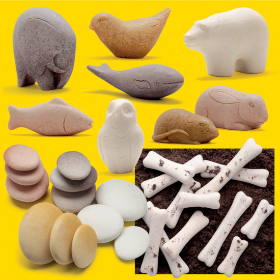 Kit of sensory stones, play animals and dinosaur bones for early discovery and exploration