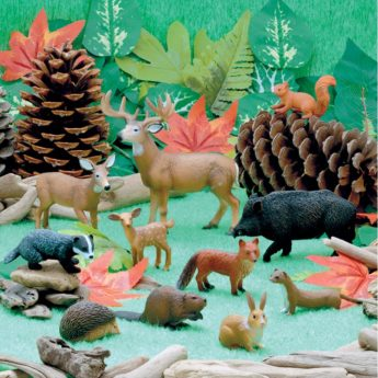 Set of 11 woodland play animals for imaginative play (40-115mm)
