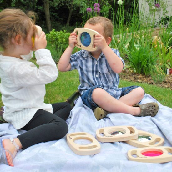 Explore colour, magnifiers and mirrors with this set of 6 viewers