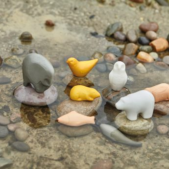 Set of 8 stone sensory play animals