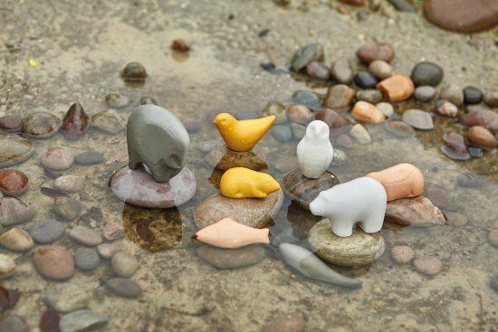 Set of 8 stone sensory play animals