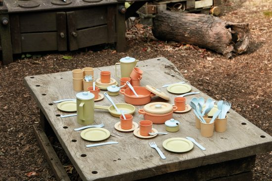 Bioplastic 79-piece play dinner set