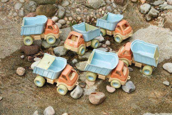 Set of 6 bioplastic outdoor play trucks