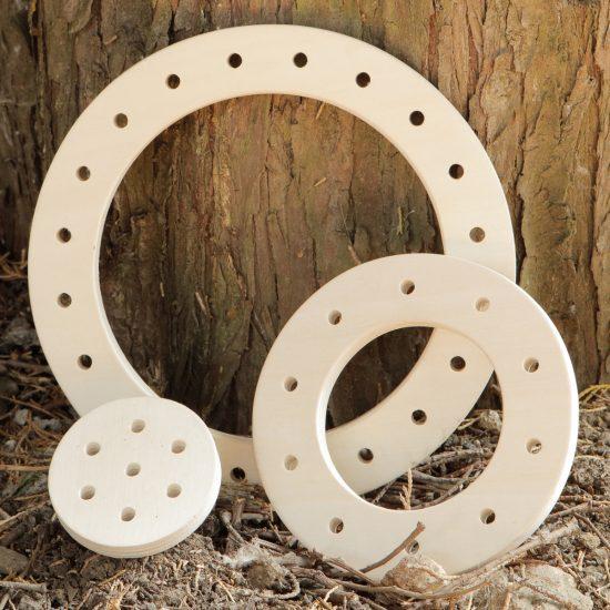 Set of 3 circular wooden threading frames