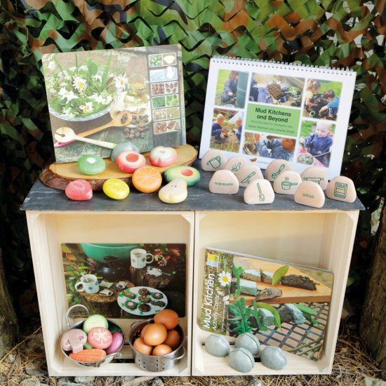 Bumper collection of robust mud kitchen resources