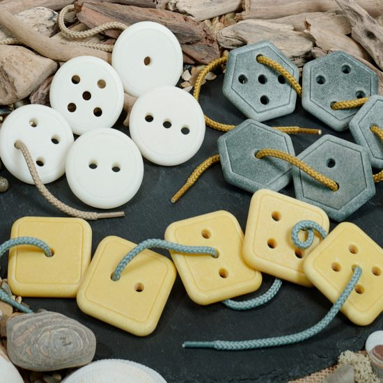 Set of 15 large stone buttons for lacing, counting and shape recognition
