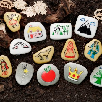 Set of 13 illustrated story stones with fairy tales theme