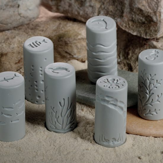 Set of 6 stone and resin rollers with ocean designs