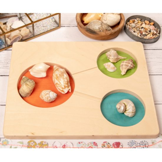 Wooden tray to explore number composition